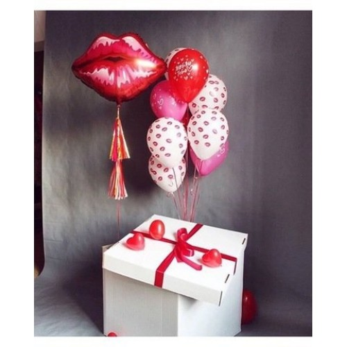 """Коробка с шарами """"Поцелуй"""""""
