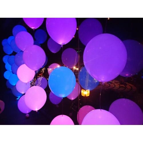 Светящиеся шары белые с разноцветной подсветкой